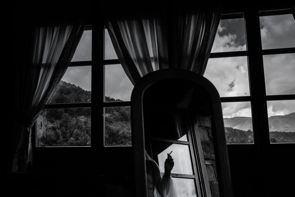 Boda en el Pirineo, historia de una ventana